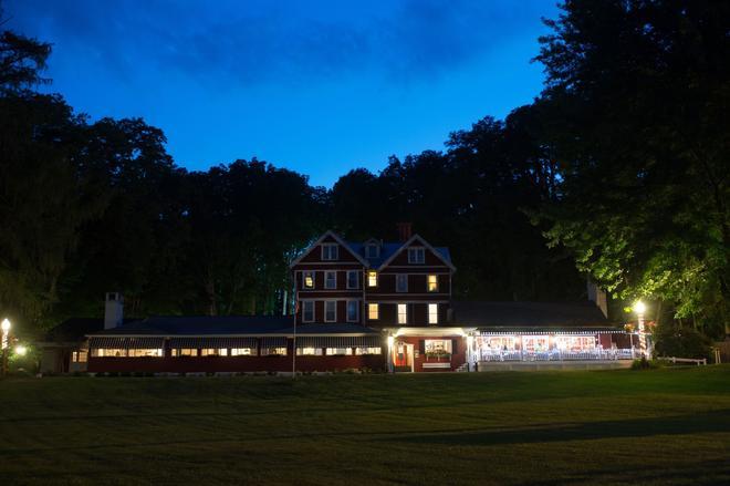 Springside Inn - Auburn - Building