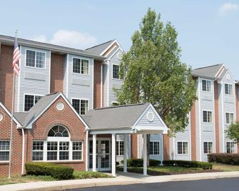 Microtel Inn & Suites by Wyndham West Chester - West Chester - Building