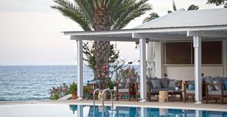 Crystal Springs Beach Hotel - Protaras - בריכה