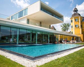 Falkensteiner Schlosshotel Velden - Velden am Wörthersee - Building