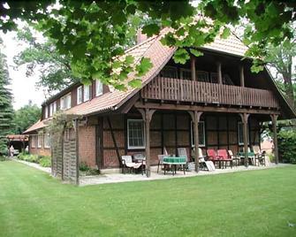 Stössel's Hotel & Restaurant - Luneburg - Building