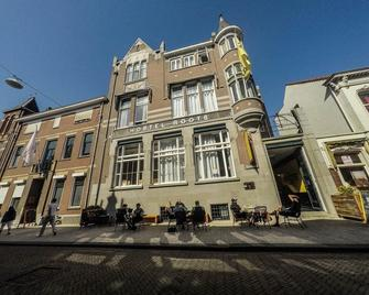 Hostel Roots - Tilburg - Building
