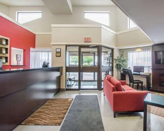 Comfort Inn Amherst - Amherst - Lobby