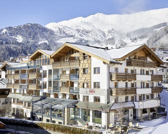 Hotel Tirol - Fiss - Building