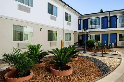 Motel 6 Modesto - Downtown - Modesto - Rakennus