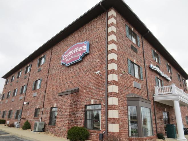 Country Hearth Inn & Suites Edwardsville St. Louis - Edwardsville - Building