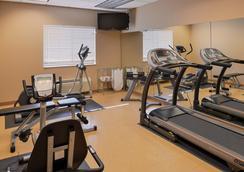 Country Hearth Inn & Suites Edwardsville St. Louis - Edwardsville - Gym