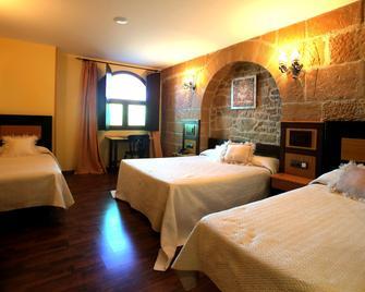 Hotel Castillo Bonavia - Pedrola - Спальня