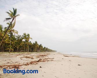 Maracumbo Lodge - Mompiche - Playa
