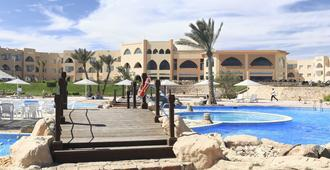 The Three Corners Equinox Beach Resort - Port el Ghalib - Pool