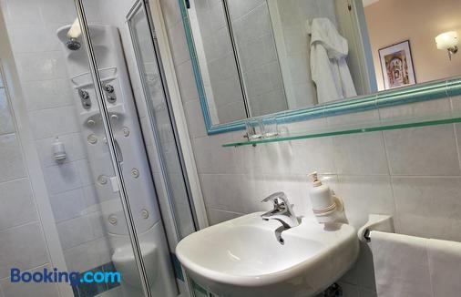 Hotel San Giovanni Terme - Ischia - Bathroom