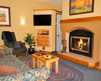 Worldmark Olympic Village Inn - Olympic Valley - Living room