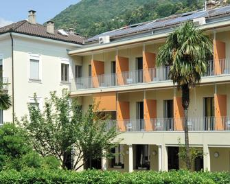 Locarno Youth Hostel - Locarno - Gebouw