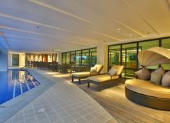 Best Western Plus The Ivywall Hotel - Puerto Princesa - Pool