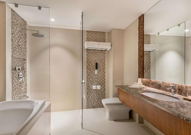 Best Western Plus The Ivywall Hotel - Puerto Princesa - Μπάνιο