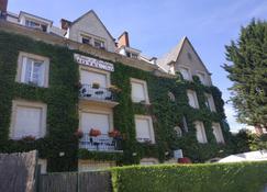أوتل آن دو بريتانيي - بلوا - مبنى