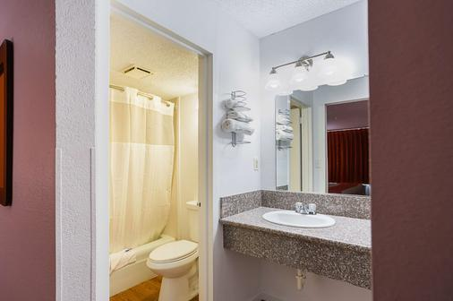 Motel 6 Vicksburg - Ms - Vicksburg - Bathroom