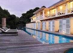 أمارا سانكتشري ريزورت سينتوسا (إس جي كلين) - سنغافورة - حوض السباحة
