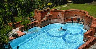 Shangri La Hotel - Katmandú - Pileta