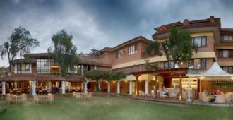 Shangri La Hotel - Katmandú - Edificio
