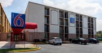 Motel 6 Jackson - Tn - Jackson - Building