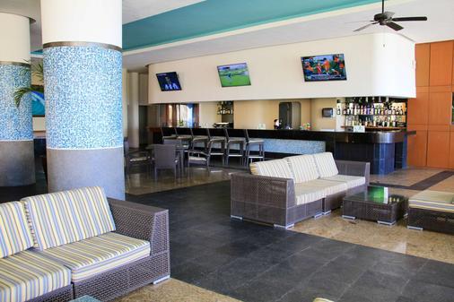 巴塞羅格蘭德法洛勞斯卡沃斯酒店 - 式 - 聖荷西卡波 - 卡波聖盧卡 - 酒吧