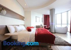 City Palace Hotel - Ohrid - Bedroom