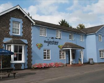 The Jester Country Inn - Baldock - Building