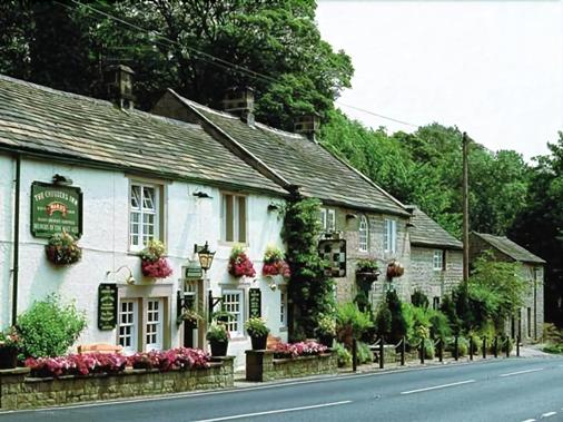 The Chequers Inn - Hope Valley - Building