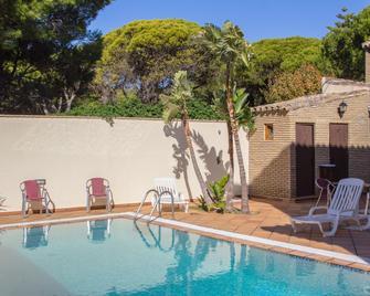 Hotel Mariantonia - Chiclana de la Frontera - Pool