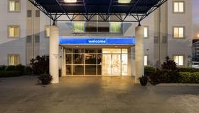 Motel 6 Orlando - International Drive - Orlando - Building