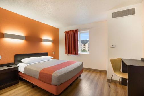 Motel 6 Orlando International Dr - Orlando - Phòng ngủ