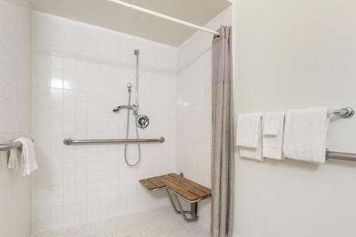 Motel 6 Orlando International Dr - Orlando - Phòng tắm
