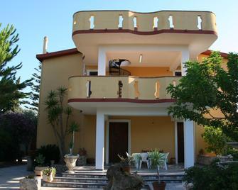 B&b Montesole Holiday - Licata - Edificio