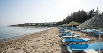 Altin Yunus Apart Beach Plus - צזמה - חוף