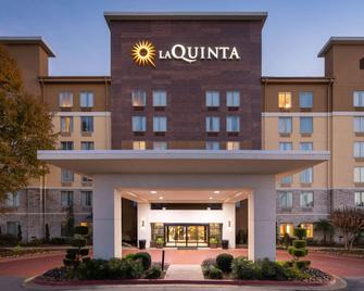 La Quinta Inn & Suites by Wyndham Atlanta Airport North - Атланта - Здание