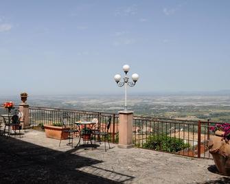 Albergo Villa Nobile - Chiaramonte Gulfi - Balcón