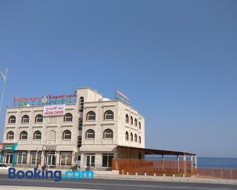 Sur Bandar Al Ayjah Hotel Apartments - Sur - Gebouw