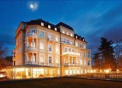 Imperial Spa Hotel - Františkovy Lázně - Building
