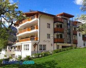 Hotel Tyrol - Mals - Gebouw
