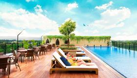 Satoria Hotel Yogyakarta - Yogyakarta - Pool