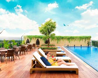 Satoria Hotel Yogyakarta - Джок'якарта - Pool