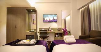 日惹阿迪蘇西普托第一旅館 - 德波 - 日惹