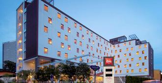 宜必思曼谷沙吞酒店 - 曼谷 - 建築
