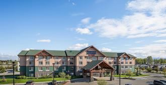 Fairfield Inn And Suites By Marriott Anchorage - Anchorage - Byggnad