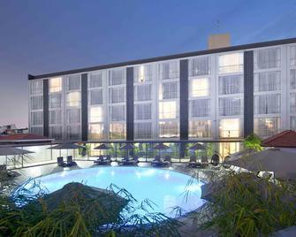 Eastin Grand Hotel Saigon - Ho Chi Minh Stadt - Gebäude