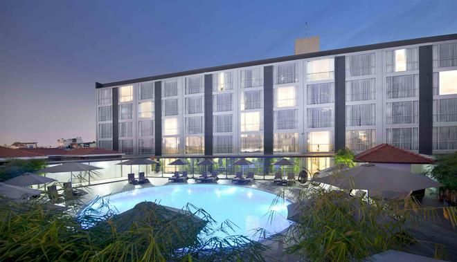 Eastin Grand Hotel Saigon - Ho Chi Minh City - Building