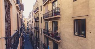 Pension Miami - Barcelona - Building