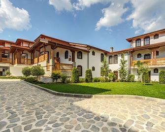 Wine & Spa Complex Starossel - Starosel - Building