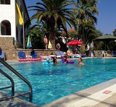 Mathraki Resort